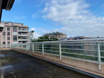 Bel appartement en attique avec terrasse panoramique image 1