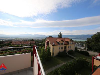 Magnifique appartement en attique / balcon avec vue sur le lac  image 1