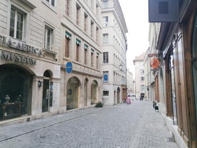 A saisir ! Joli appartement de 80 m2 en vieille ville. image 1