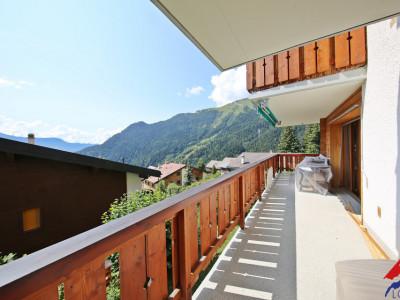 Bel appartement rénové 3.5p // 2 Chambres // Grande terrasse // Vue image 1