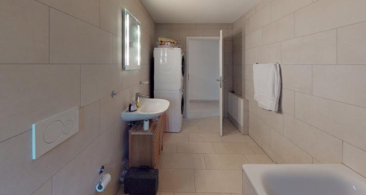 Spacieux 4.5 pièces de 140 m2 avec jardin et deux places de parcs image 7