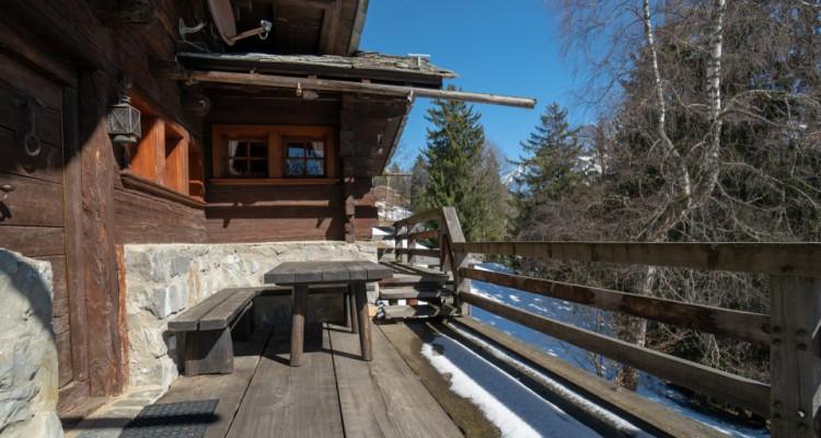Gryon Immo vous propose un magnifique mazot complètement rénové sur la piste de ski image 13