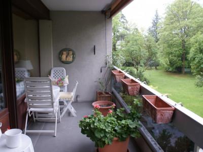 Eaux vives Genève 4p résidence calme pour investisseur loyer 36000/an image 1