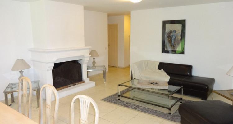 Appartement meublé dans un écrin de verdure image 2