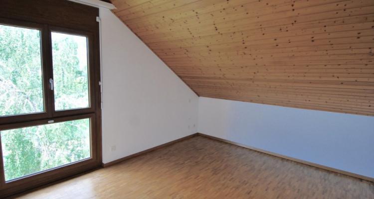 Magnifique attique de 5,5 pièces dans un quartier paisible de Duillier  image 8
