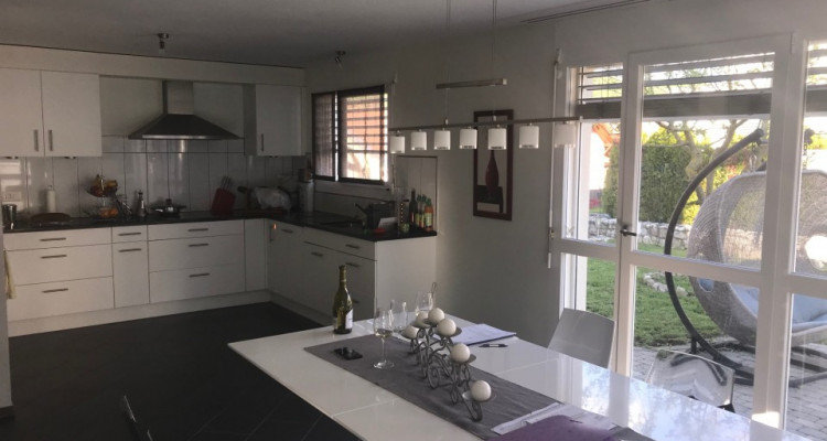 Villa individuelle familiale de 5.5 pces avec un superbe pavillon image 4