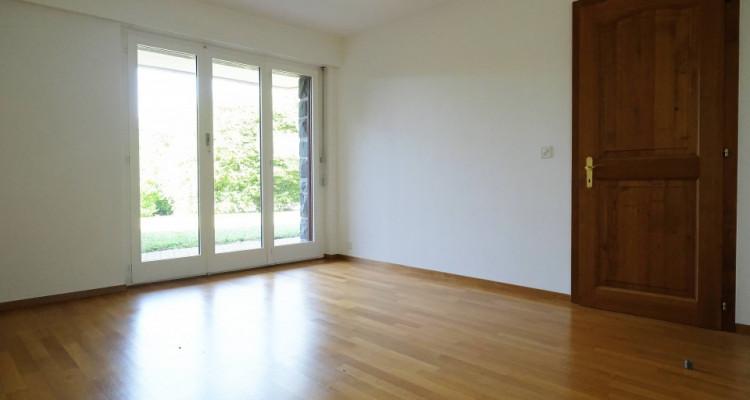 Magnifique duplex 5,5p // 4 chambres // Jardin + Terrasse image 5