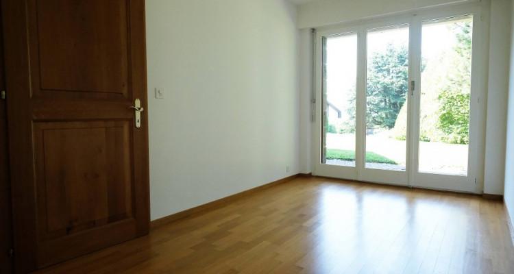 Magnifique duplex 5,5p // 4 chambres // Jardin + Terrasse image 6