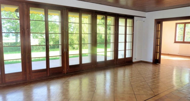 A louer villa traditionnelle à Collex image 2