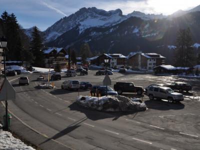 Beau local place de la Barboleuse à 200m de la gare et du télécabine. image 1