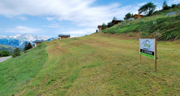 Terrain contructible idéalement situé aux Mayens de Mase image 4