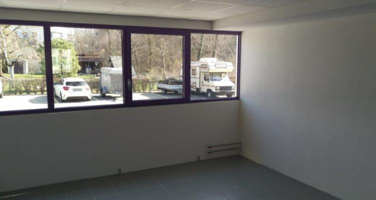 Bureau de 60 m2 au rez-de-chaussée à louer à Puidoux image 5