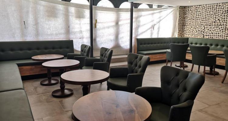 À remettre : Resauration café/bar rapide complètement rénové ! image 1