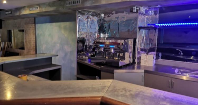 À remettre : Resauration café/bar rapide complètement rénové ! image 2