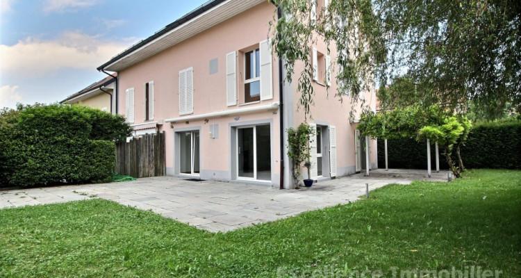 Spacieuse et charmante villa jumelle de 6,5 pièces à Echallens image 1