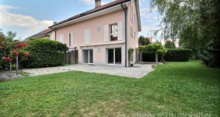 Spacieuse et charmante villa jumelle de 6,5 pièces à Echallens image 2