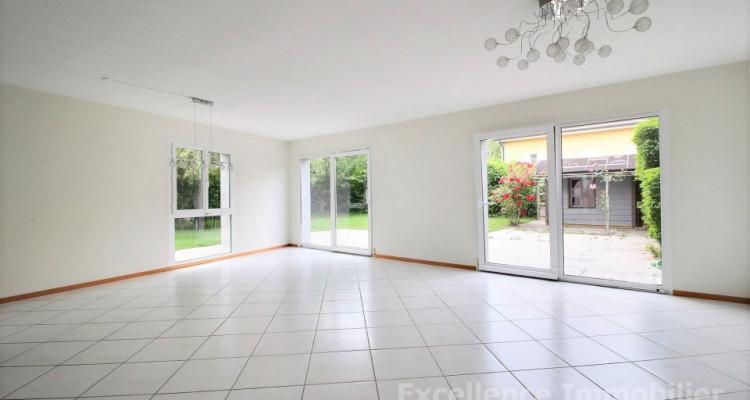 Spacieuse et charmante villa jumelle de 6,5 pièces à Echallens image 5