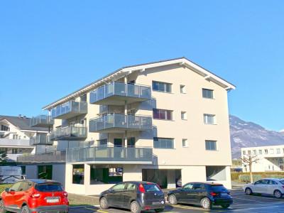 FOTI IMMO - Bel appartement de 2.5 pièces avec 30 m2 de terrasse. image 1