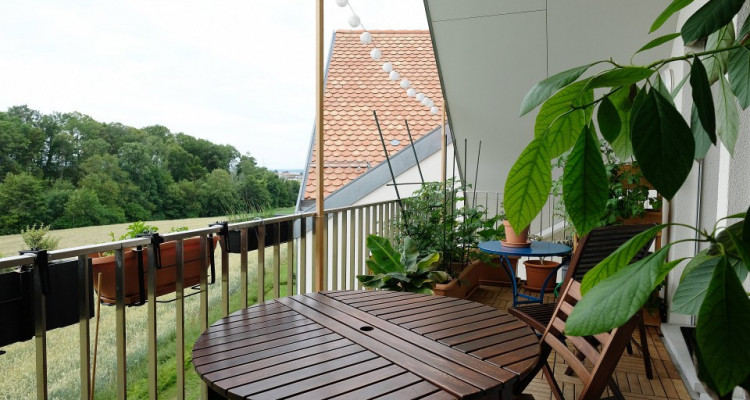 SOUS-LOCATION - Magnifique duplex  3,5p / 2 chambres / 2 SDB / Balcon image 2