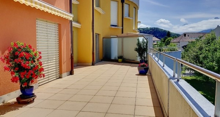 Appartement avec grande terrasse à Aigle image 1