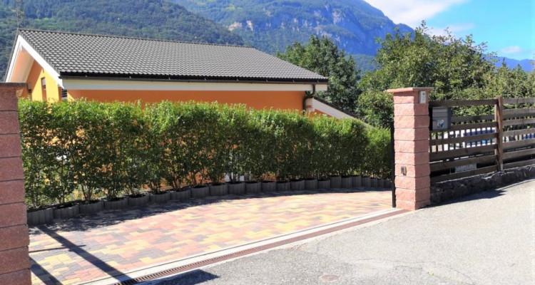 Superbe villa individuelle de 5,5 pièces dans quartier rédisentiel image 1