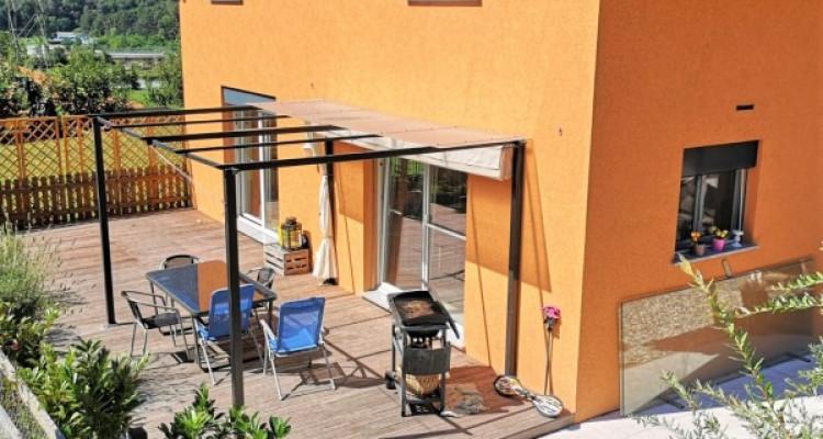 Superbe villa individuelle de 5,5 pièces dans quartier rédisentiel image 3