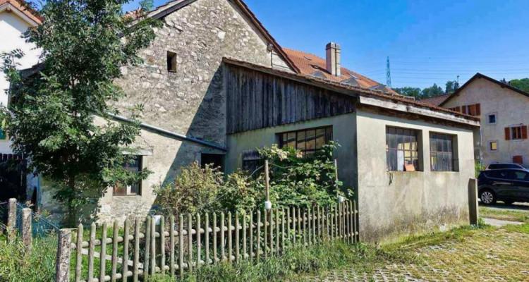 A moins de 10 minutes du centre d'Yverdon-les-Bains ancienne forge à rénover. image 1
