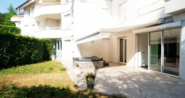 VISITE 3D / Superbe appartement // Divona Park // 2 Chambres // Jardin image 2