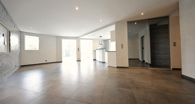 VISITE 3D / Superbe appartement // Divona Park // 2 Chambres // Jardin image 5