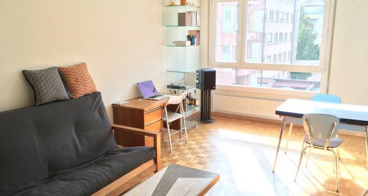 Appartement de 3 pièces situé dans le quartier des Pâquis. image 2