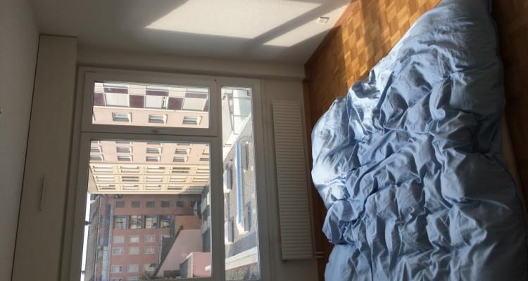 Appartement de 3 pièces situé dans le quartier des Pâquis. image 3