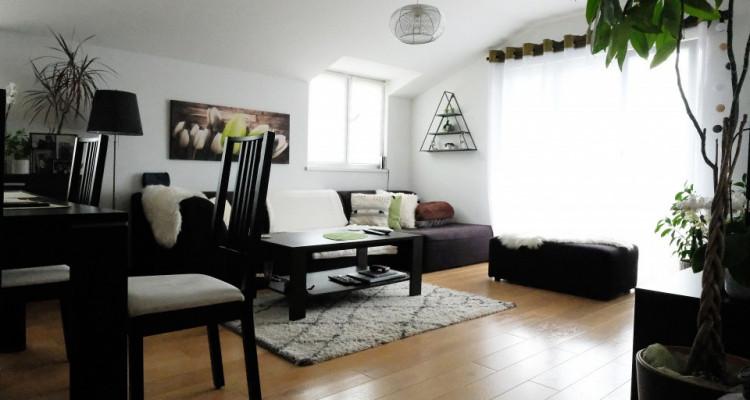 Magnifique attique rénové de 3.5 pièces / 2 chambres / 2 SDB / Renens image 1