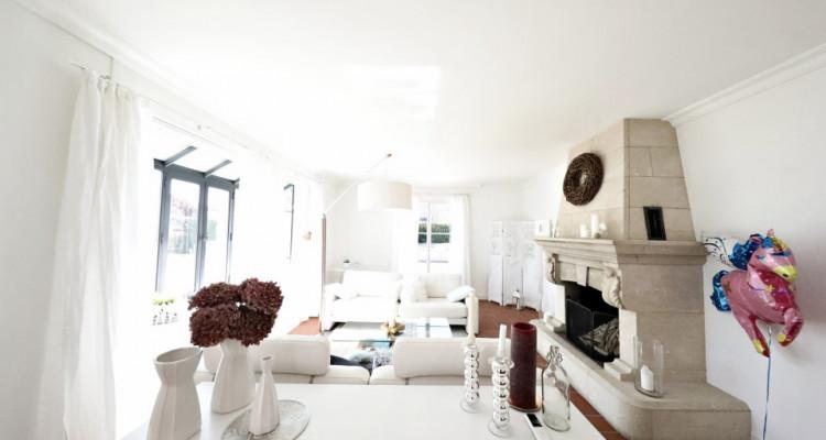 VISITE 3D - Villa dexception Terre-Sainte / 5 chambres / Piscine  image 4