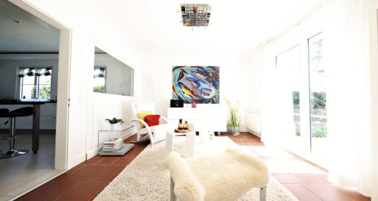 VISITE 3D - Villa dexception Terre-Sainte / 5 chambres / Piscine  image 6
