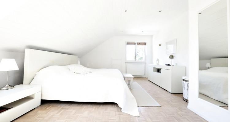 VISITE 3D - Villa dexception Terre-Sainte / 5 chambres / Piscine  image 8