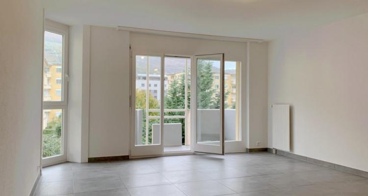 FOTI IMMO - Appartement refait à neuf de 3,5 pièces avec 2 balcons. image 3
