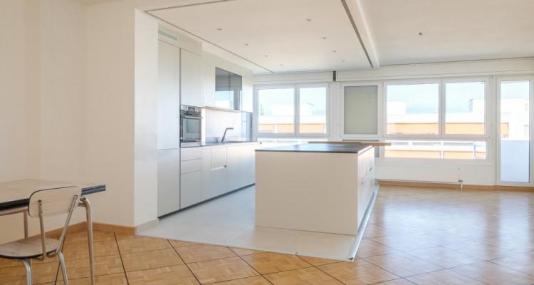 Appartement 143 m2 complètement rénové image 2