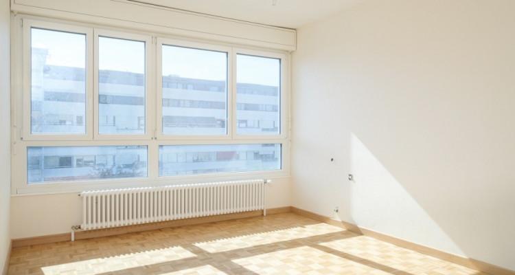 Appartement 143 m2 complètement rénové image 4