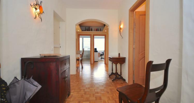 Appartement traversant de 4,5 pièces avec balcon et vue sur les Alpes image 4