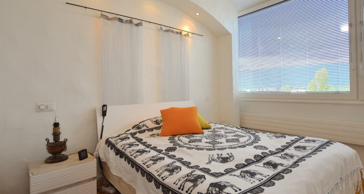 Appartement traversant de 4,5 pièces avec balcon et vue sur les Alpes image 5
