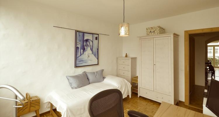 Appartement traversant de 4,5 pièces avec balcon et vue sur les Alpes image 7