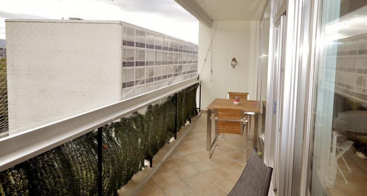 Appartement traversant de 4,5 pièces avec balcon et vue sur les Alpes image 8