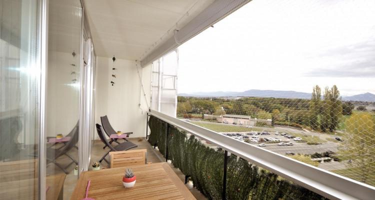 Appartement traversant de 4,5 pièces avec balcon et vue sur les Alpes image 9