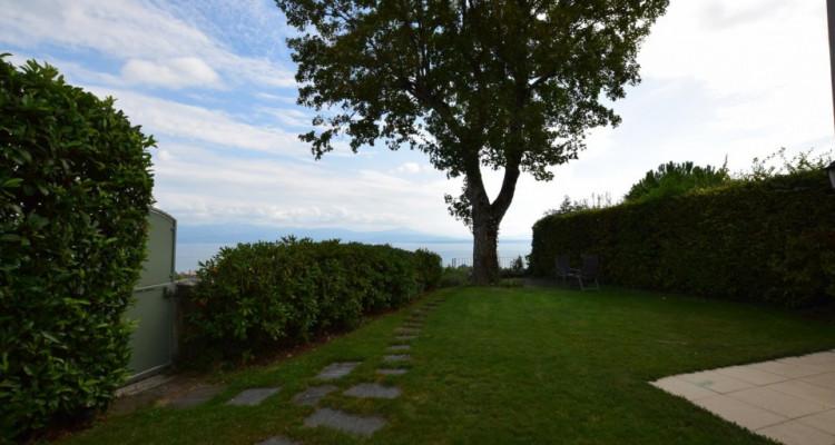 Belle propriété familiale avec vue imprenable sur le Lac image 3