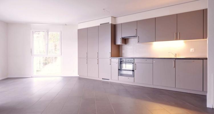 Magnifique 4,5 pièces - Grande pièce à vivre - 3 chambres - Balcon  image 2