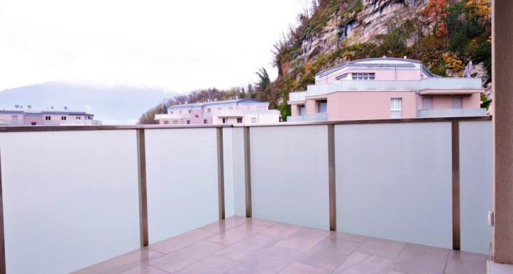 Magnifique 4,5 pièces - Grande pièce à vivre - 3 chambres - Balcon  image 3