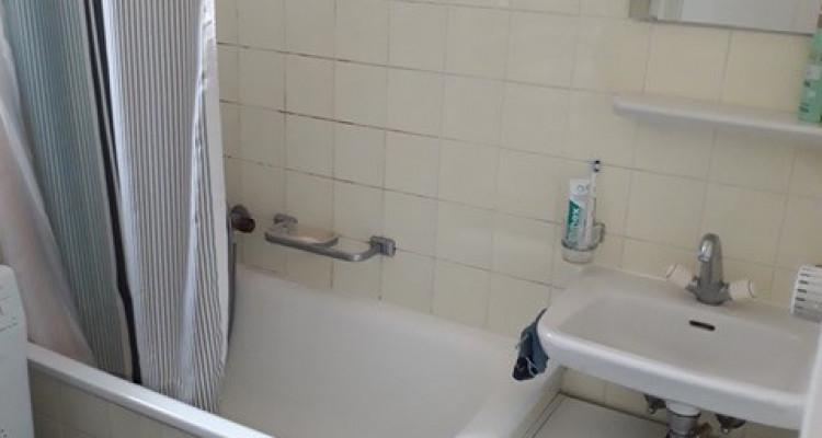 Bel appartement de 3.5 pièces situé dans le quartier des Pâquis. image 2