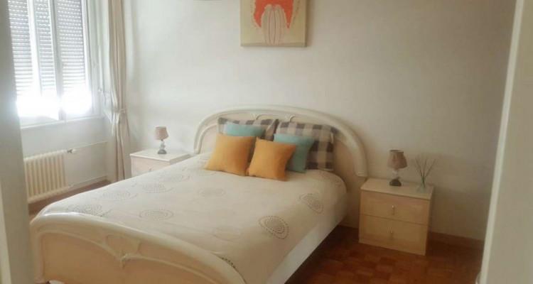 Appartement de 2.5 pièces situé dans le quartier des Pâquis. image 3