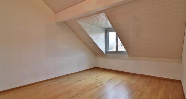 Superbe attique avec terrasse et 2 Pk image 6