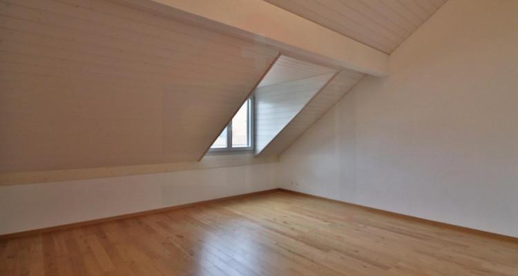 Superbe attique avec terrasse et 2 Pk image 7
